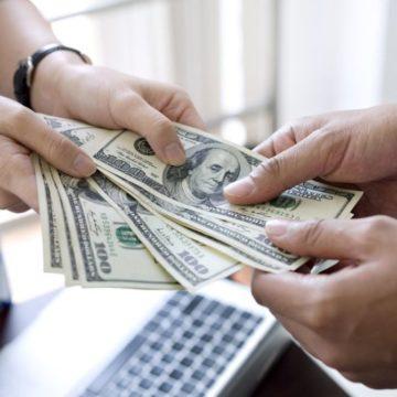 Cómo se relaciona cada signo con el dinero